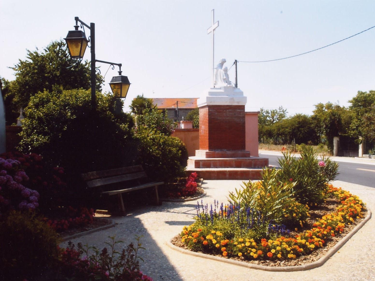 Castelferrus monument aux morts